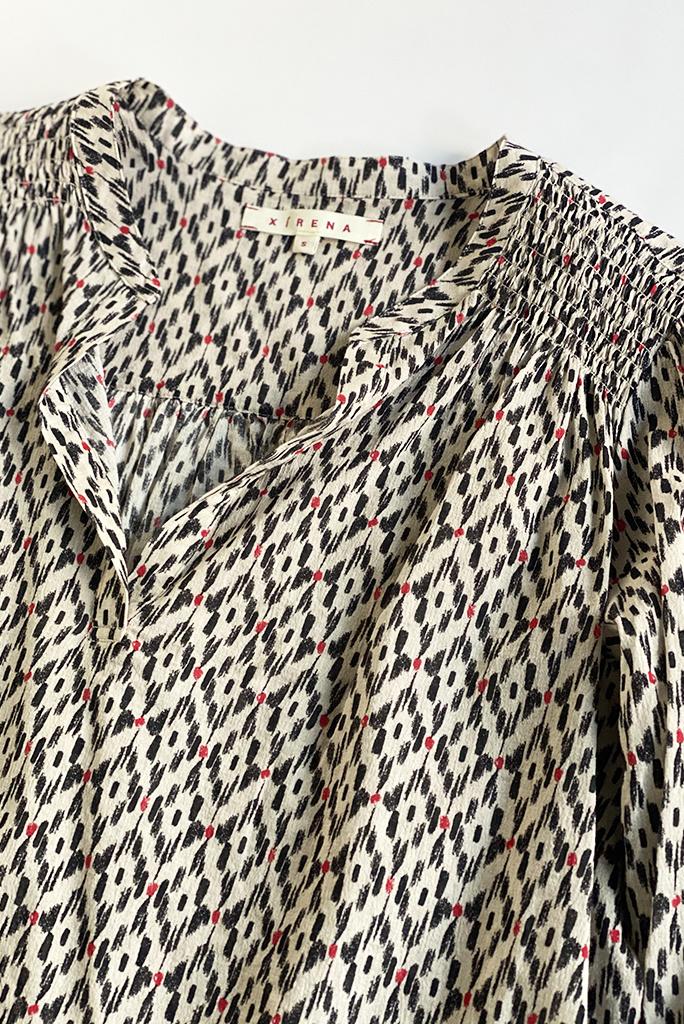 Xirena Aimi Open Collar Print Top Chalk