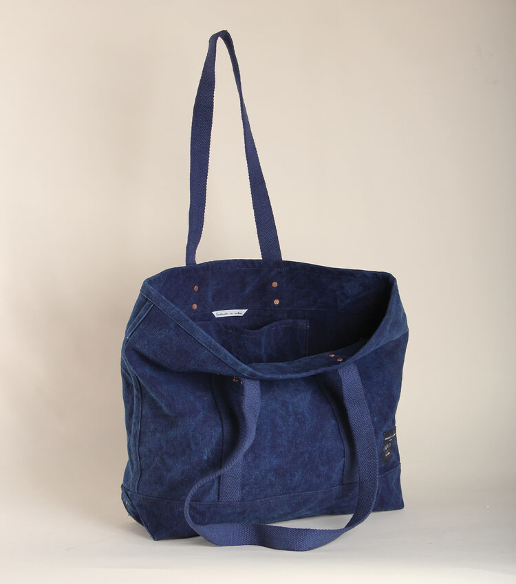 Fleabags Small East West Tote Indigo