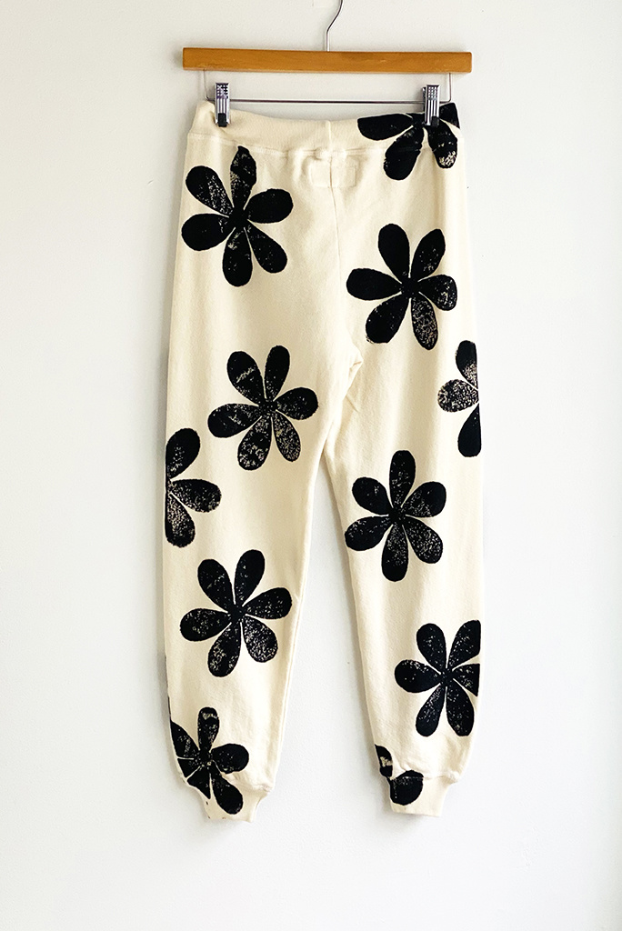 The Great The Cotton Cropped Sweatpant in Daisy Stamp