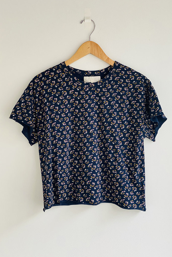 The Great The Cut Edge Tee in Navy Floral - Size 2