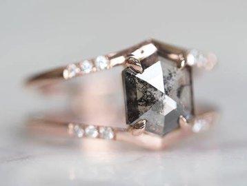 Point No Point Studio 1.26ct Mini Empress Grey Hexagonal Dia Ring PNP3