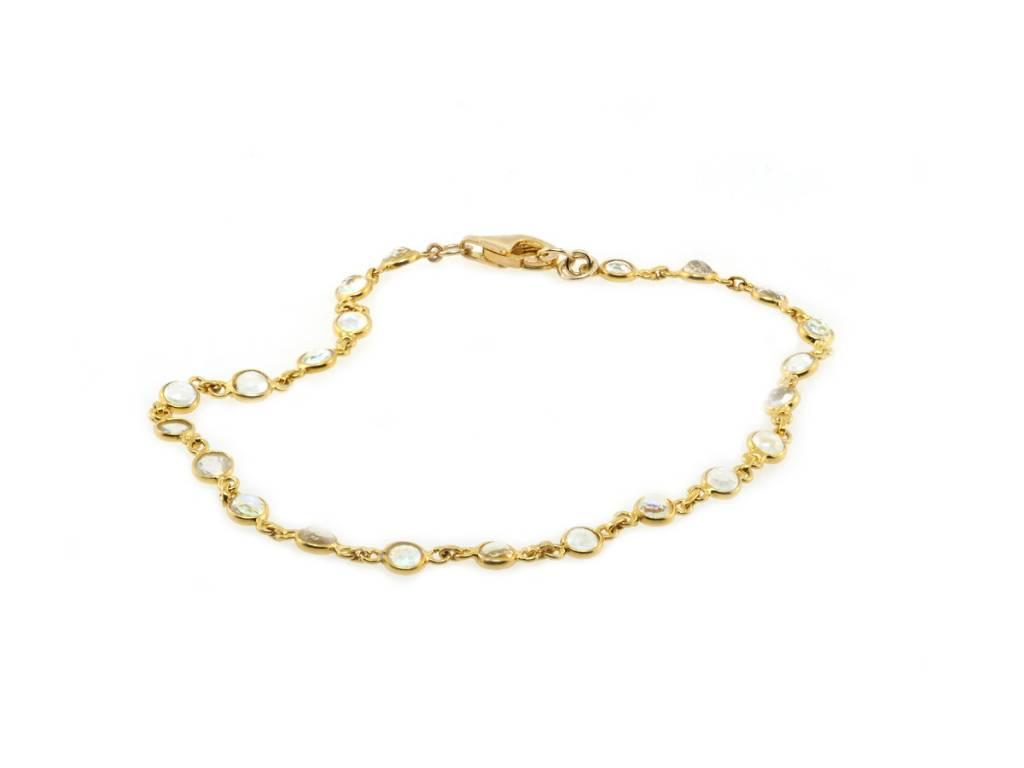 Trabert Goldsmiths Delicate Moonstone Bracelet