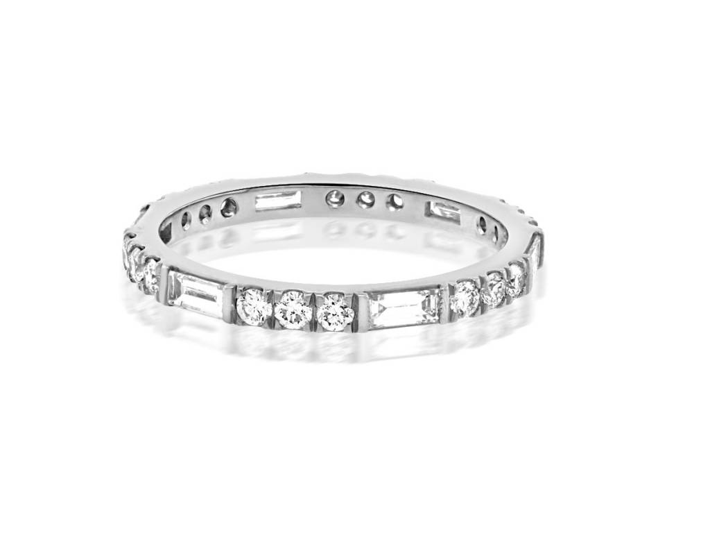 Trabert Goldsmiths Horizon Line Baguette Dia Platinum Band