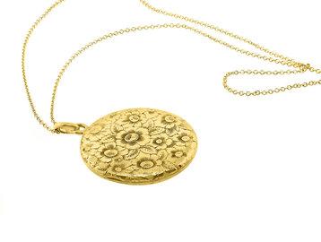 Trabert Goldsmiths Vintage Gold Engraved Floral Locket E1907