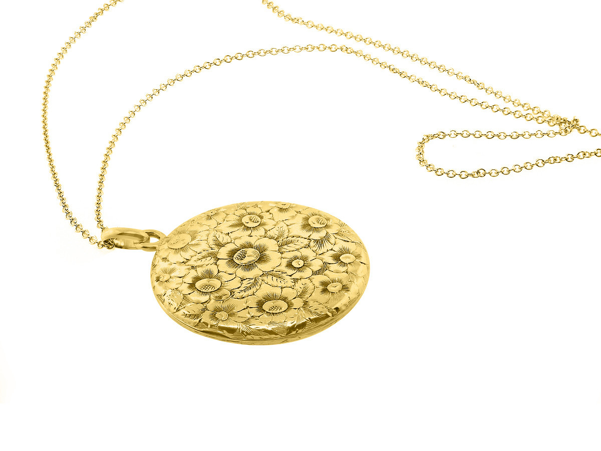 Trabert Goldsmiths Vintage Gold Engraved Floral Locket