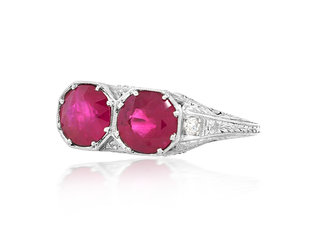 Trabert Goldsmiths Antique Double Ruby Platinum Ring E1876