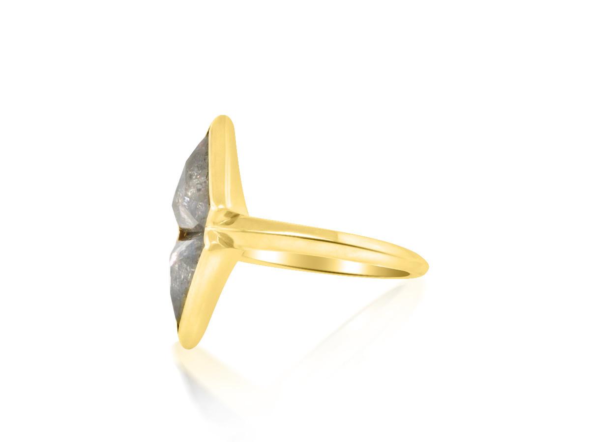 Trabert Goldsmiths Double Grey Diamond Parallax Ring