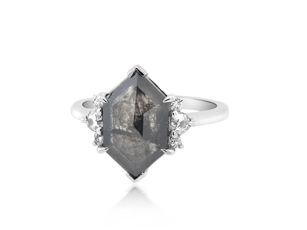 Trabert Goldsmiths 3.17ct Hexagonal Diamond Grey Star Ring