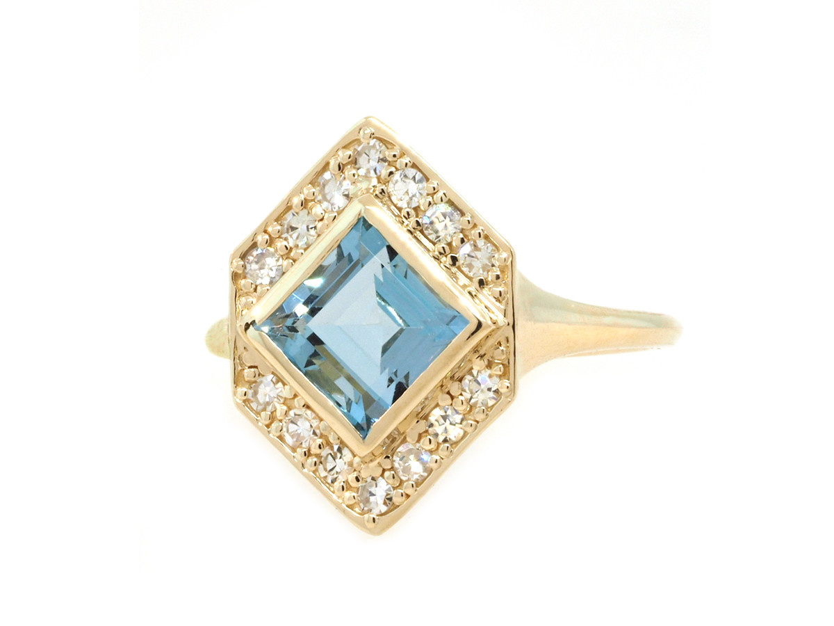 Trabert Goldsmiths 1.50ct Aquamarine Delphine Ring