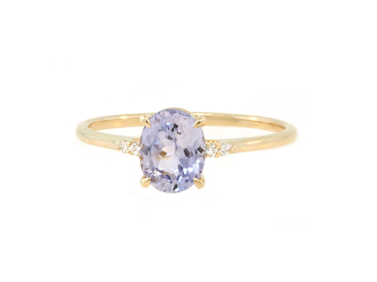 Trabert Goldsmiths 'Lilac' Blue Oval Sapphire Yellow Gold Ring