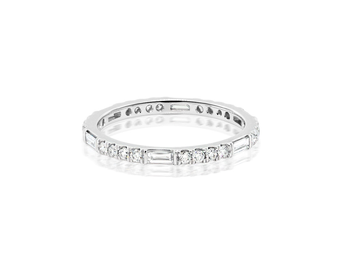 Trabert Goldsmiths Thin Horizon Line Platinum Diamond Band