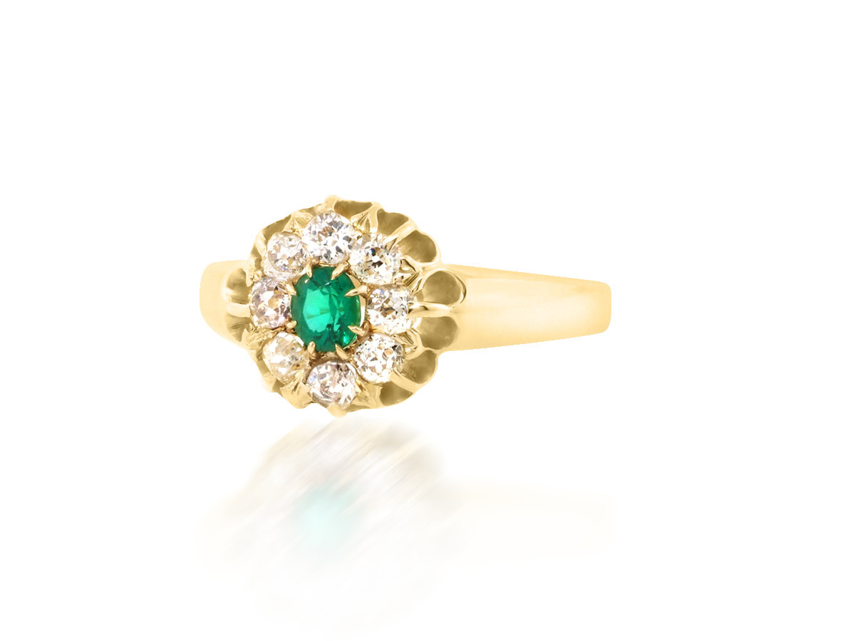 Trabert Goldsmiths Antique Cluster Dia and Emerald Ring