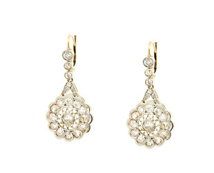Trabert Goldsmiths Vintage White Gold Diamond Drop Earrings GM3
