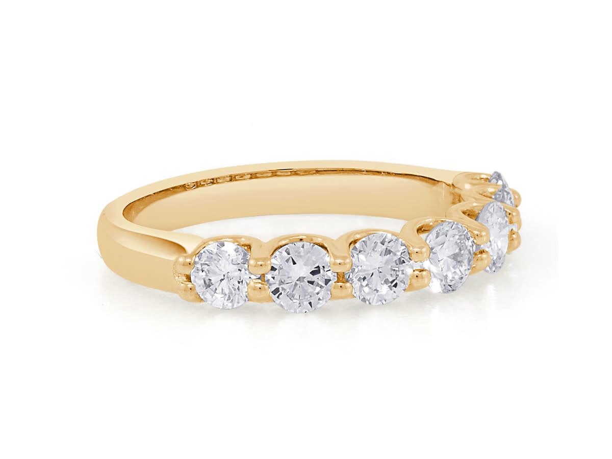 Trabert Goldsmiths 7 Stone Moissanite Gold Ring E2177