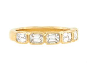 Trabert Goldsmiths Emerald Diamond Gold Bezel Zelda Ring E2228