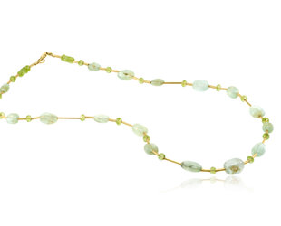 Trabert Goldsmiths Prehnite and Peridot Beaded Necklace E2145