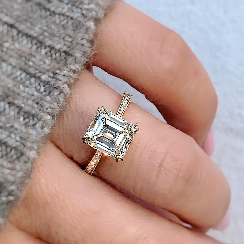 Erika Winters 3.21ct LVVS2 Antique Emerald Diamond Willa Ring