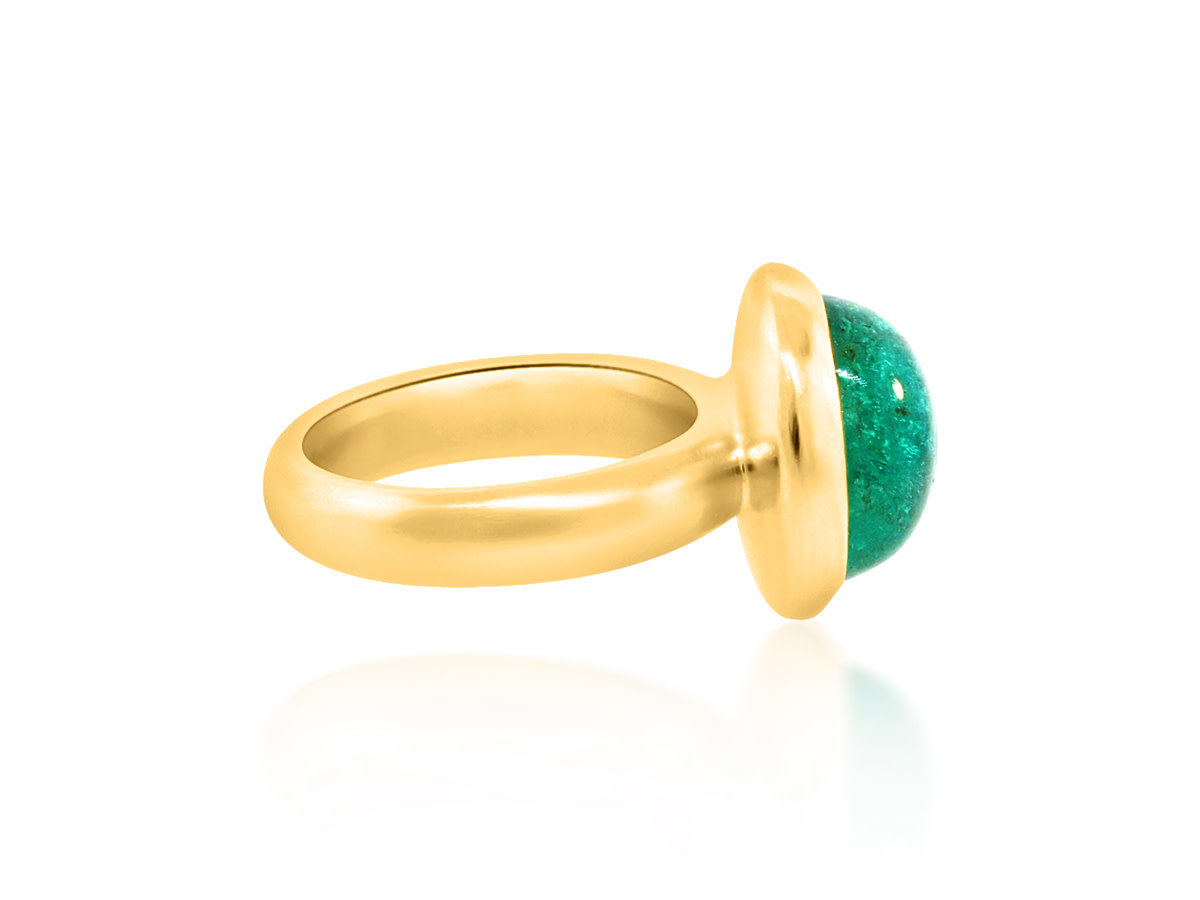 Trabert Goldsmiths 8.66ct Smooth Emerald Bezel Ring