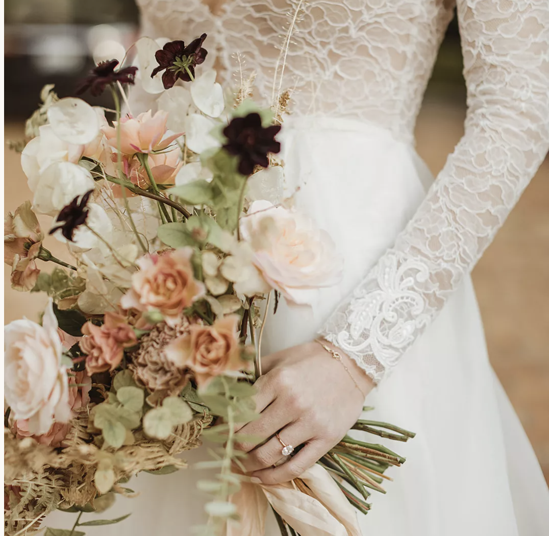 An Art Museum Wedding in San Francisco With Seasonal Accents and Sweet Nods to Family