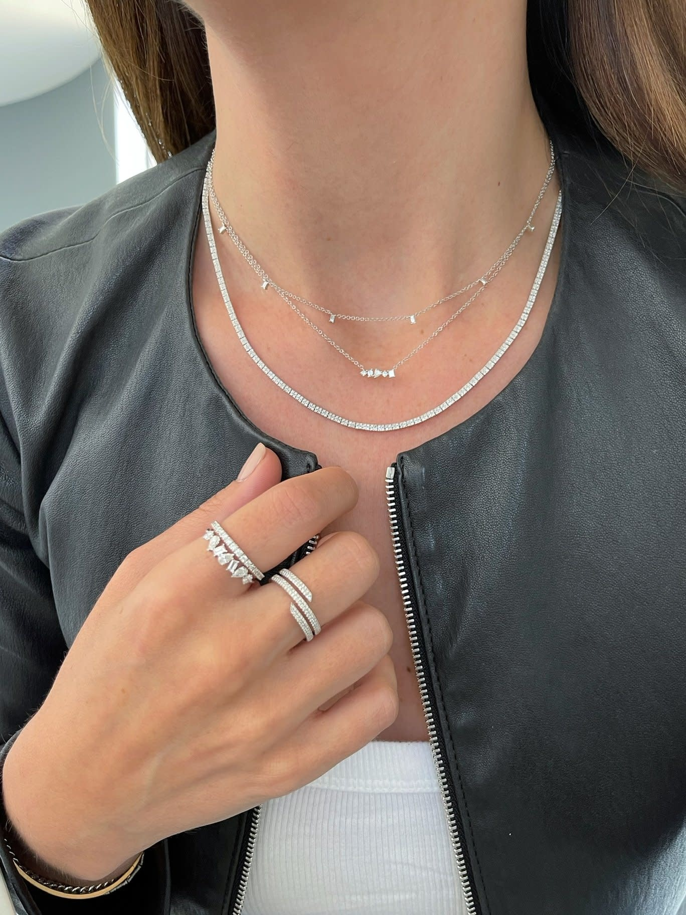 EF Collection Multi Faceted Dia White Gold Bar Necklace