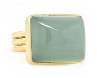Trabert Goldsmiths Rectangular Aquamarine Ring E1409