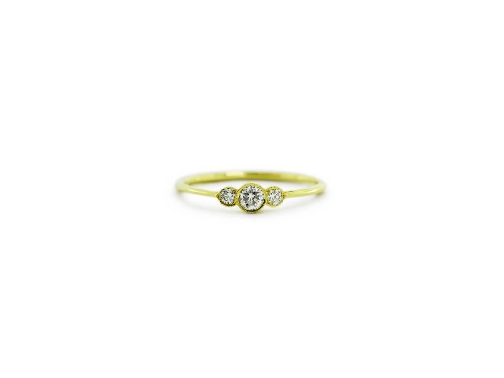 ILA Tiny 3 Stone Diamond Gold Ring