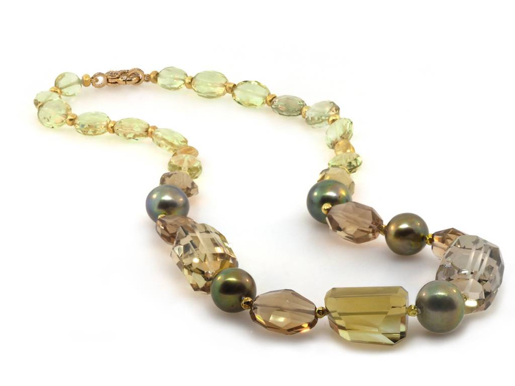 Trabert Goldsmiths Mixed Quartz and Pearl Necklace