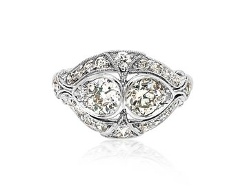 Trabert Goldsmiths 1.35ct Antique Deco Twin Diamond Ring E1651