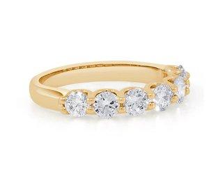 Trabert Goldsmiths 7 Stone Diamond Gold Ring E1749