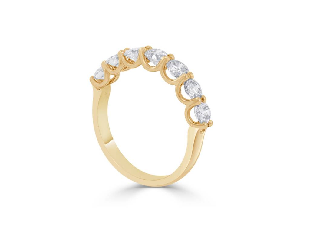 Trabert Goldsmiths 1.24ct GVS 7 Stone Diamond Gold Ring