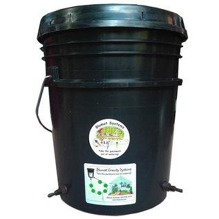 Blumat Blumat Small Box Kit - w/ 5-Gallon Reservoir - Automatic Drip Irrigation System for up to 6 Plants