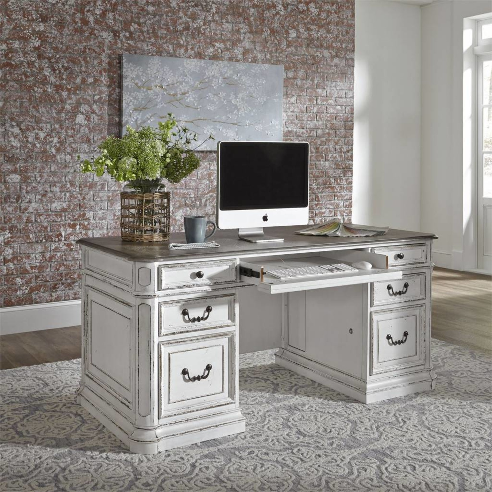 Magnolia Manor Jr Executive Desk