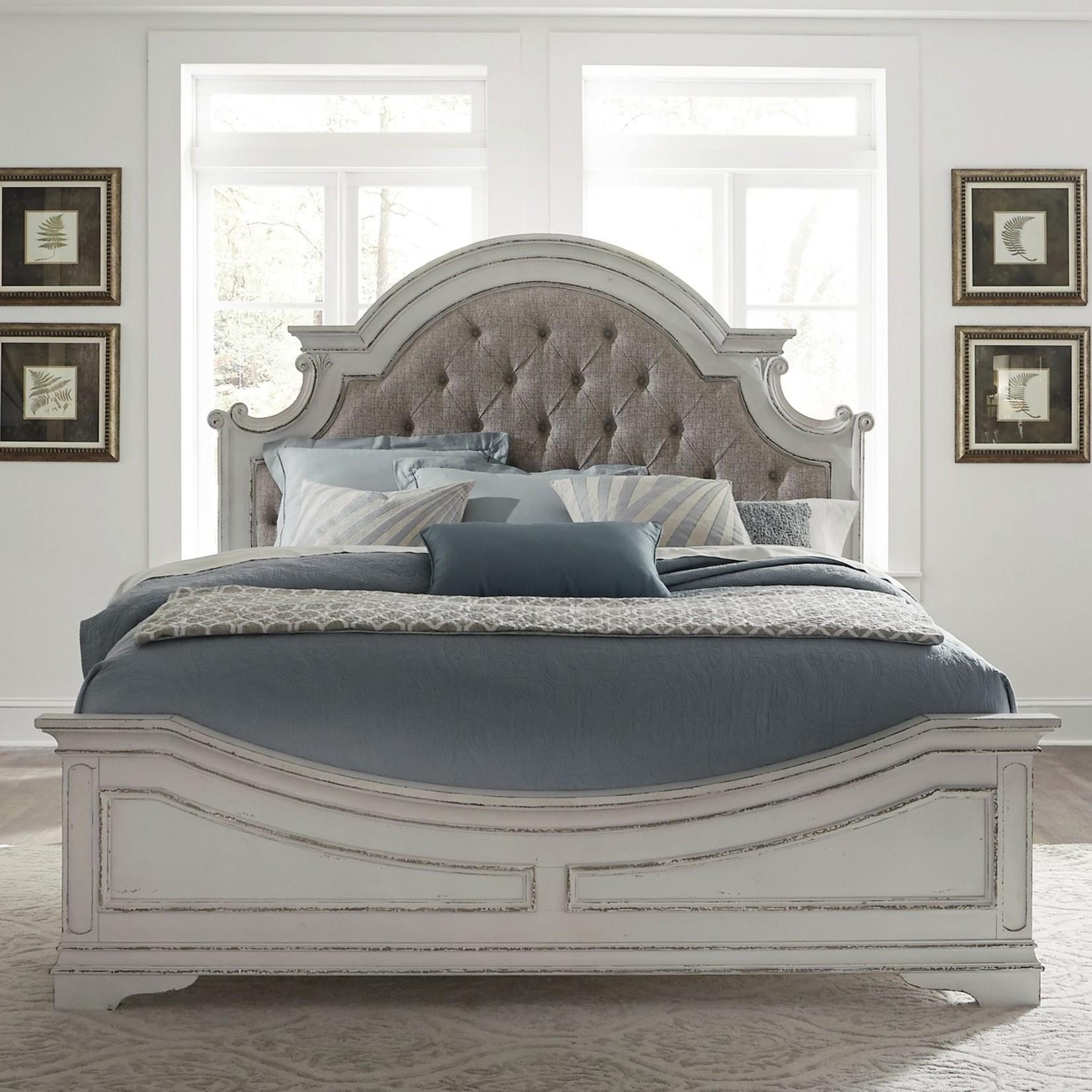 Magnolia Manor Upholstered Queen Bed