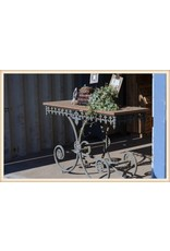 French Pastry Table 18LH452