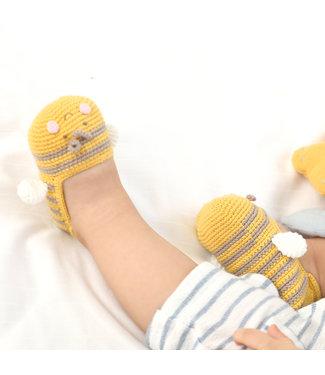 CROCHET BABY BEE BOOTIES