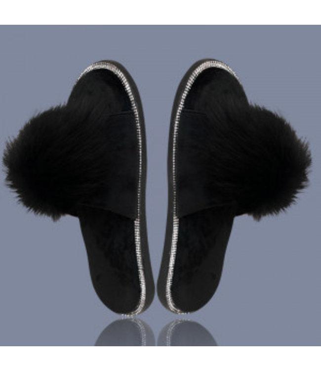 BLACK POM-POM SLIPPERS