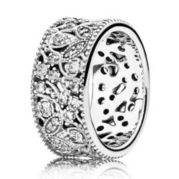 Pandora Shimmering Leaves Ring, Size 7.5