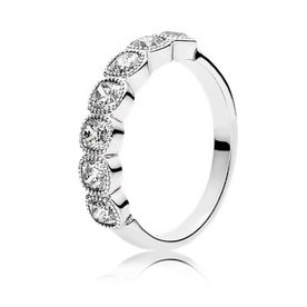 Pandora Alluring Cushion Ring, Size 7.5