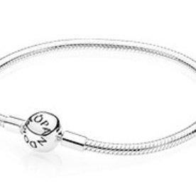 Pandora Smooth Bracelet, Size 18
