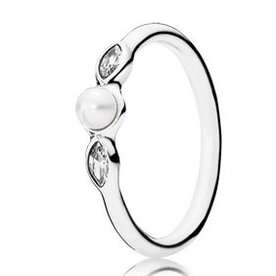 Pandora Petite Luminous Leaves Ring, Size 6