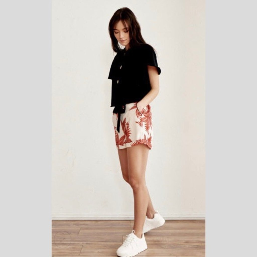 WEEK& Coral Printed Shorts