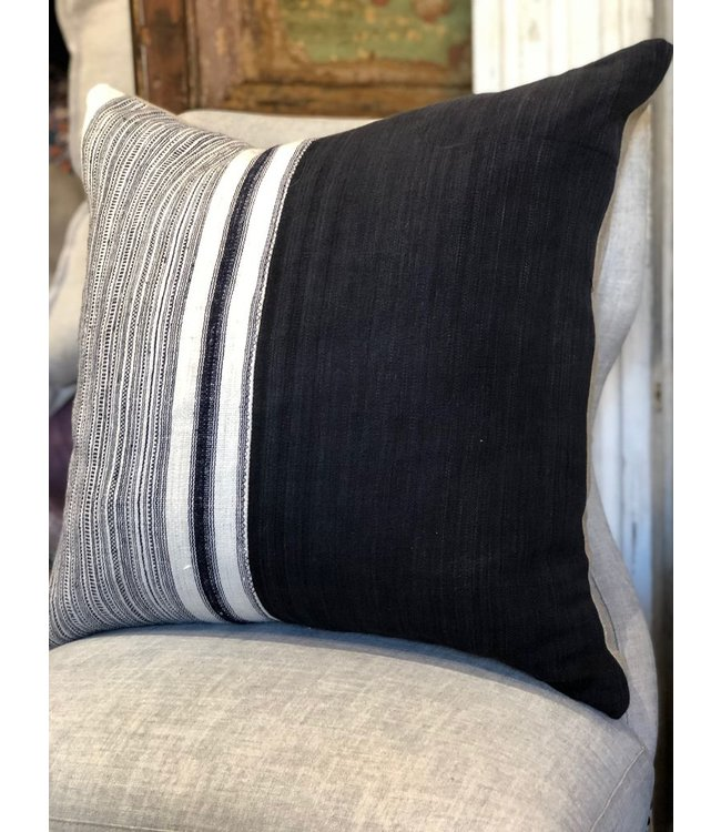 HOUSE OF CINDY BLACK HEMP PILLOW - 22X22