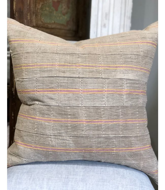 HOUSE OF CINDY LUXE VINTAGE PILLOW - 26X26