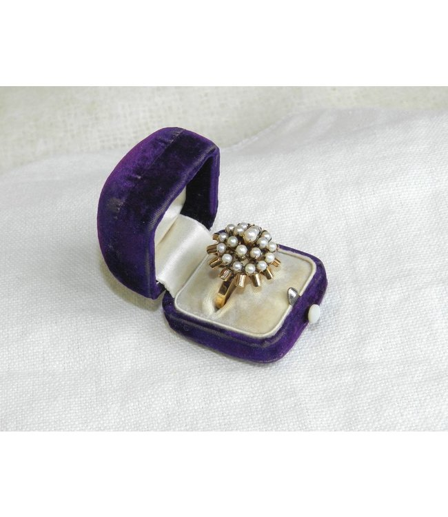 MARY ANDRIESE  (C) PEARL RING 18K GOLDPRONG SET  SZ  7.5