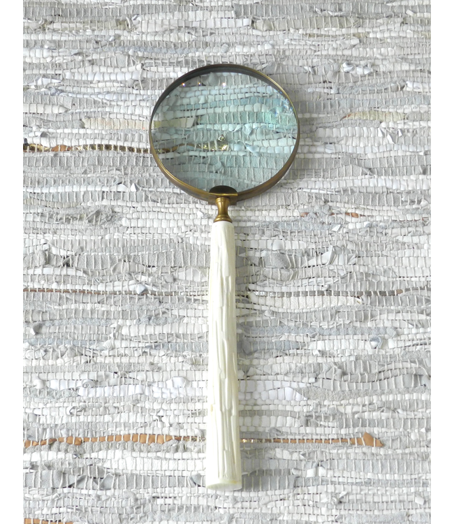 GLOBAL VIEWS/ STUDIO A CHISELED BONE MAGNIFYING GLASS