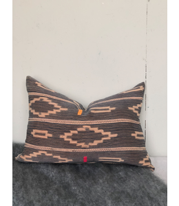 HOUSE OF CINDY PEACH IKAT PILLOW 16X22 90/10 DOWN FILL