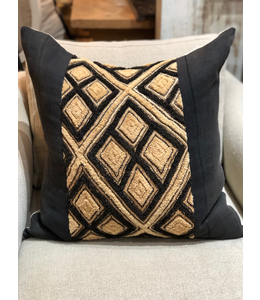 HOUSE OF CINDY 22X22 BLACK KUBA PILLOW