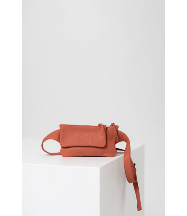 HUMANOID BANTE LEATHER HANDBAG