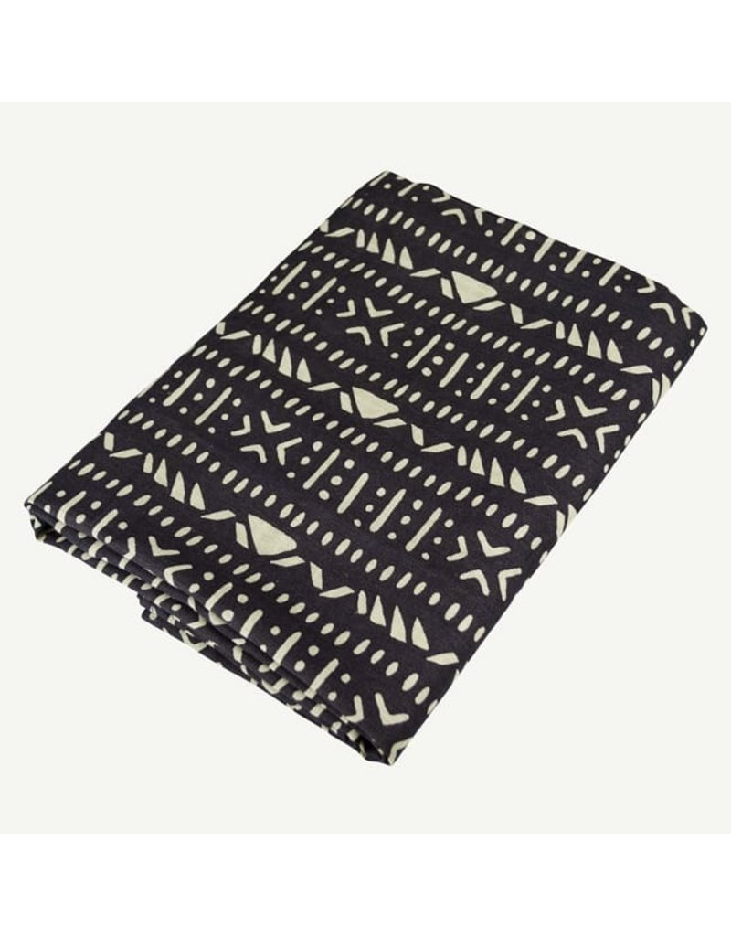 Oliver and Rain Print Swaddle, Charcoal Aztec
