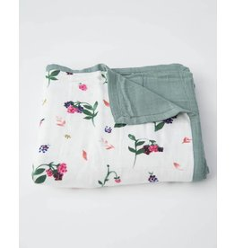 Deluxe Muslin Quilt, Berry Patch